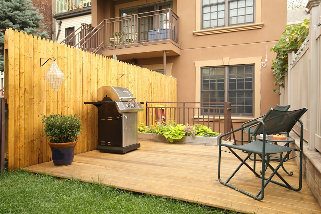 Private backyard & grill area