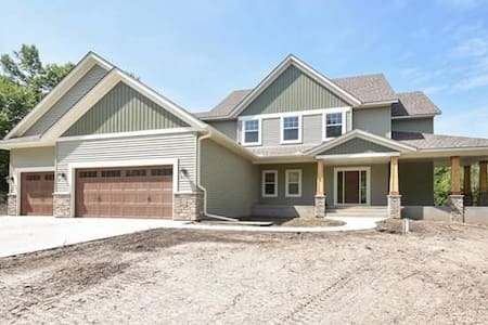 Newly built home on 26 acres of woods and nature - Dayton - Ev