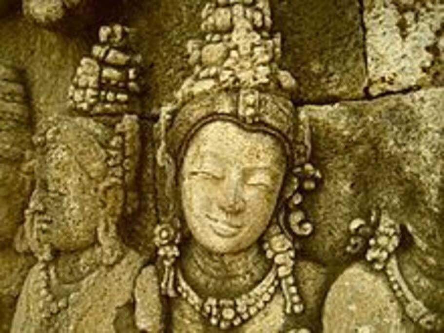 Borobudur sculpture has the subtlety of style and aesthetic taste elegant