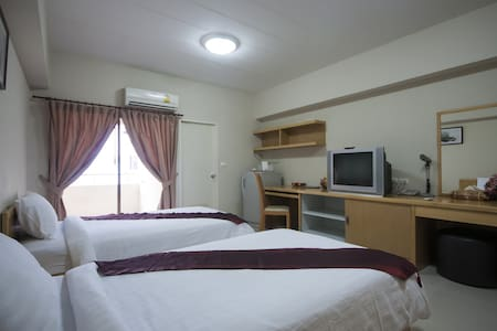 Superior Twin Room Near Yanhee Hospital - 曼谷 - 公寓