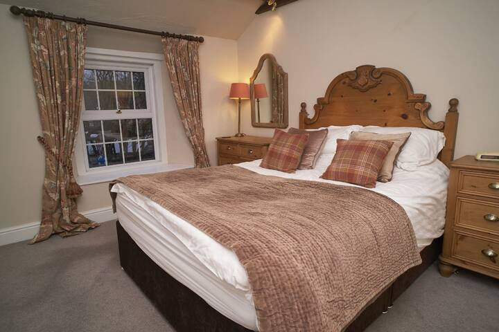 Kirkstone Cottage, Ambleside, cosy cottage for 2 centrally located.