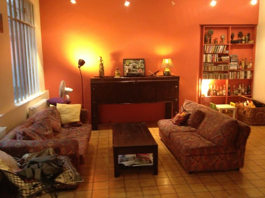 maison loft atypique paris 18e maisons louer paris le de france france. Black Bedroom Furniture Sets. Home Design Ideas