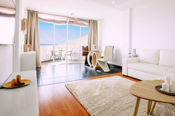 Modern Ocean View 2 bed. Apartment, quiet location