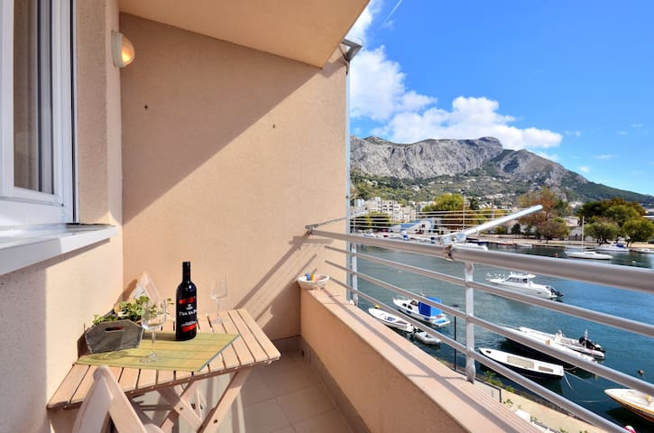 River view apartment in Omis - Omiš - Apartment