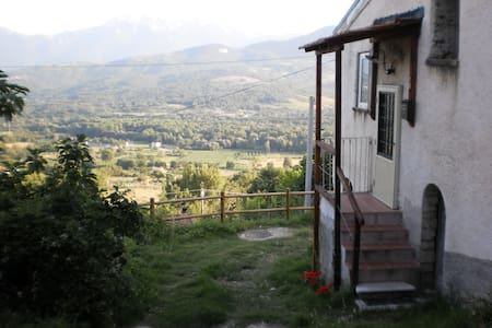 ARTIST'S MOUNTAIN RETREAT - Santa Maria del Molise
