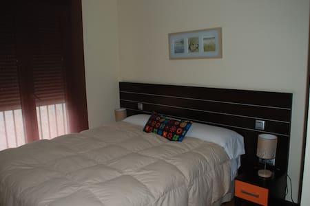 Apartamento moderno para 4 personas - Ávila