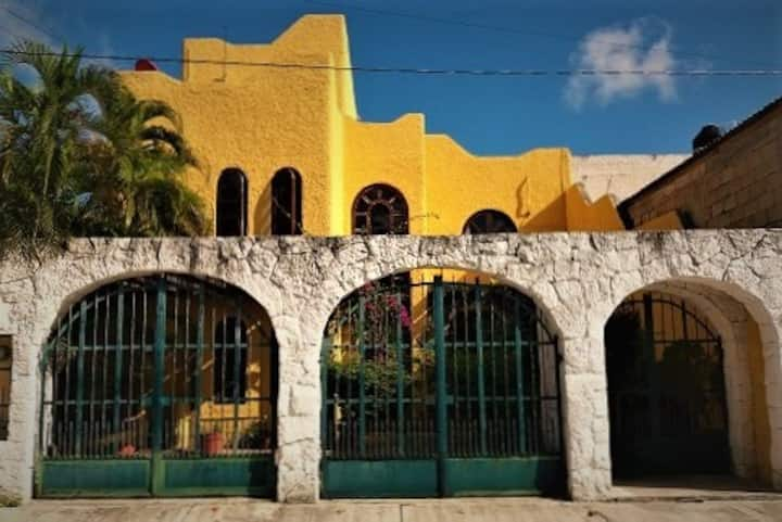MORADA ECLIPSE (CANCUN, MEXICO)