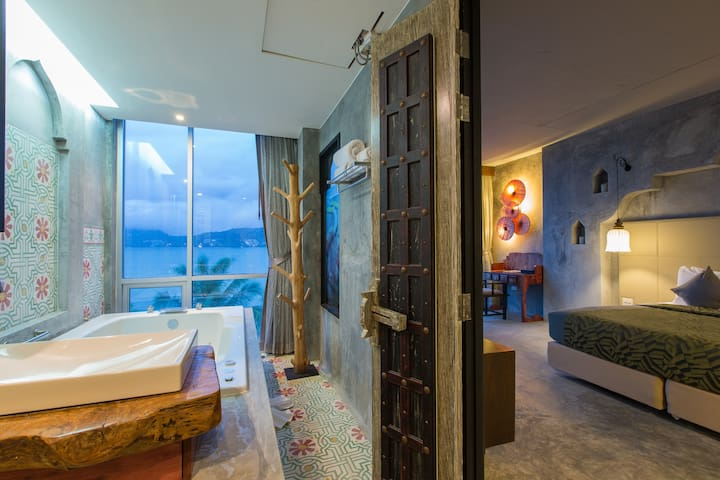 E DESIGNER Double Studio with SEA VIEW SPA BATH :) - Patong - Departamento
