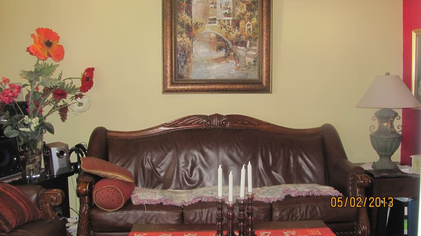 Beautiful 2 bed room apartment