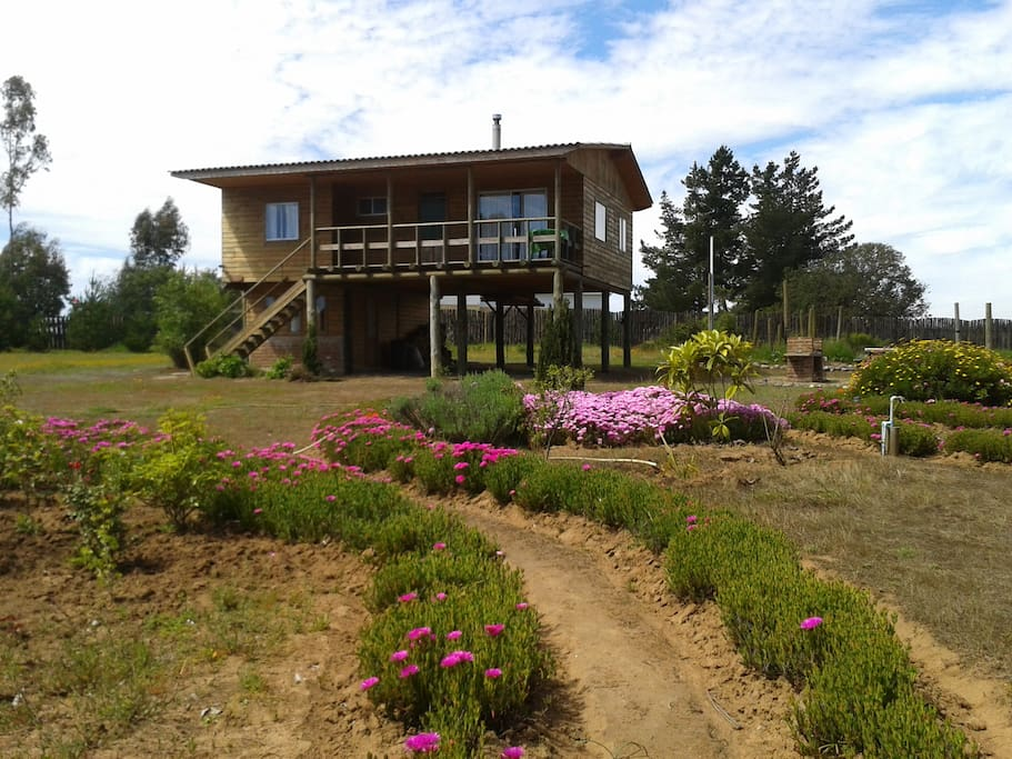 Nice quite cabin, wooden stove, 7km from the beach, and with a place to barbeque