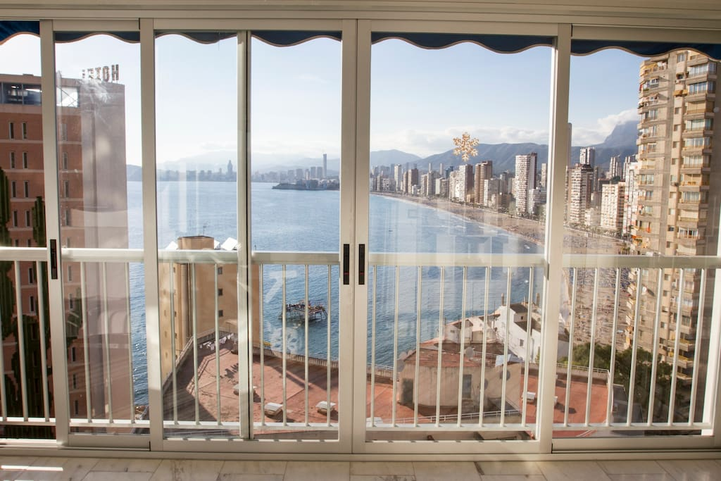 Luxurious seafront and 3 bedrooms apartments for rent - Apartamentos de alquiler en benidorm baratos ...