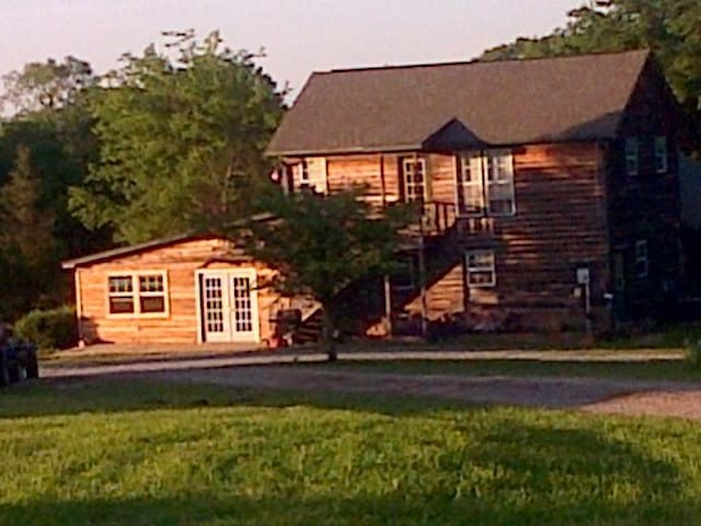 Pop's Country Getaway close to MSU - Crawford - Appartement