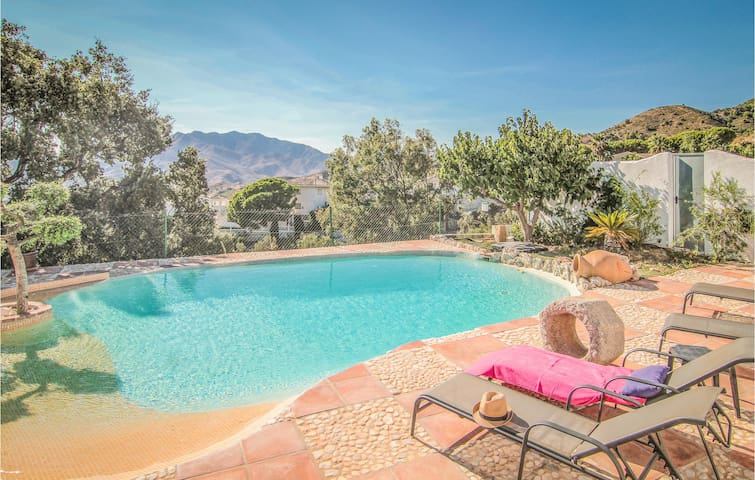 Holiday cottage with 3 bedrooms on 117m² in Mijas