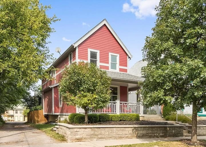 Spacious, updated downtown home (pets considered)