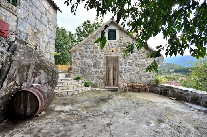 BEAUTIFUL STONE HOUSE GATA - OMIS
