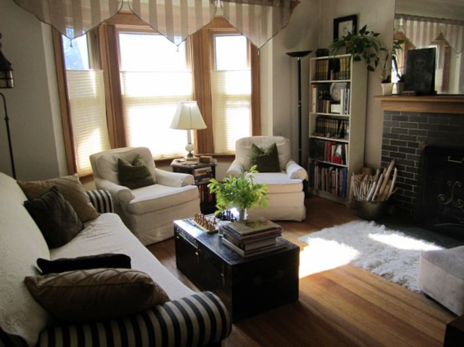 Living room, facing west