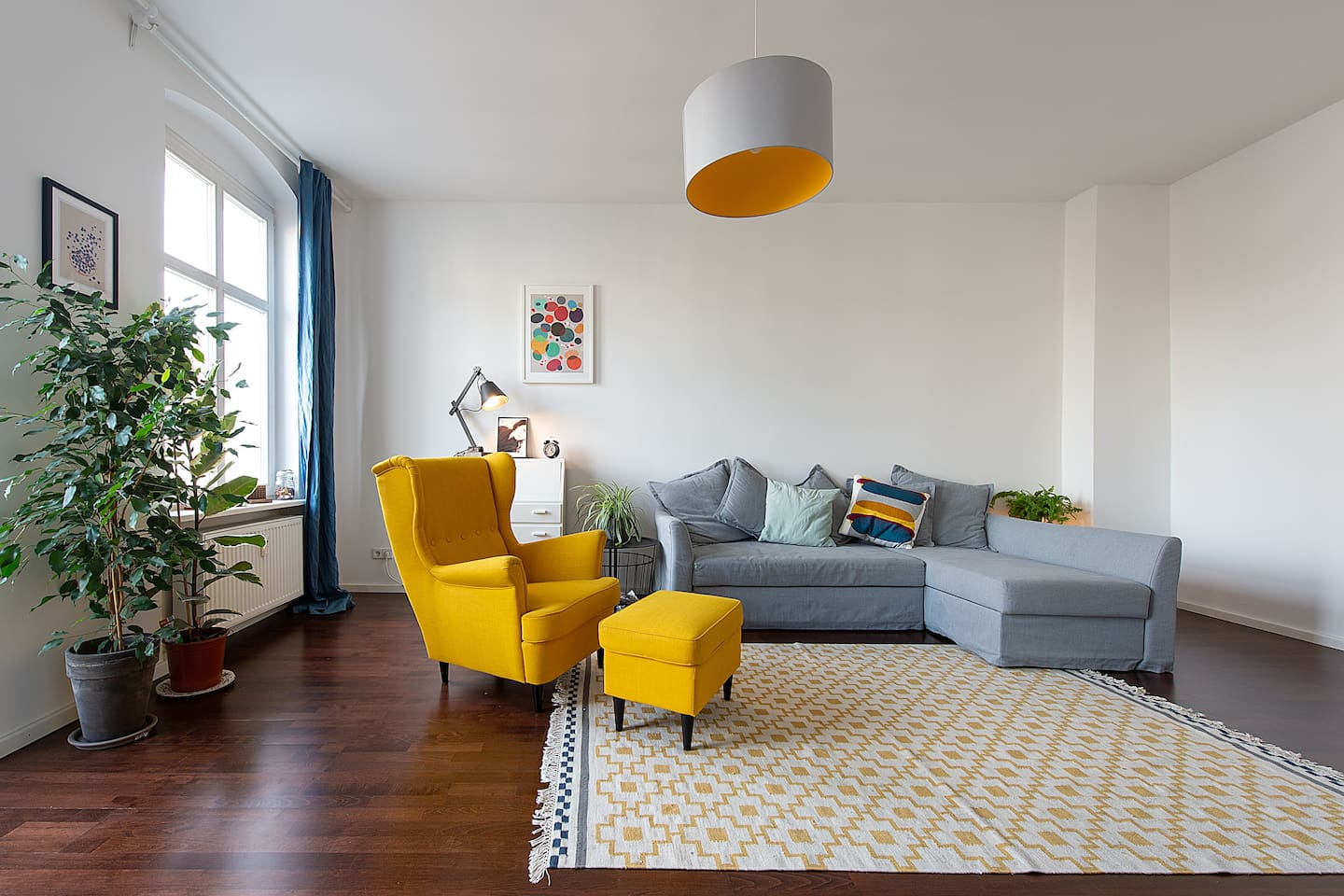 The bright, airy and spacious living room is the perfect place to relax after a long day exploring the city.