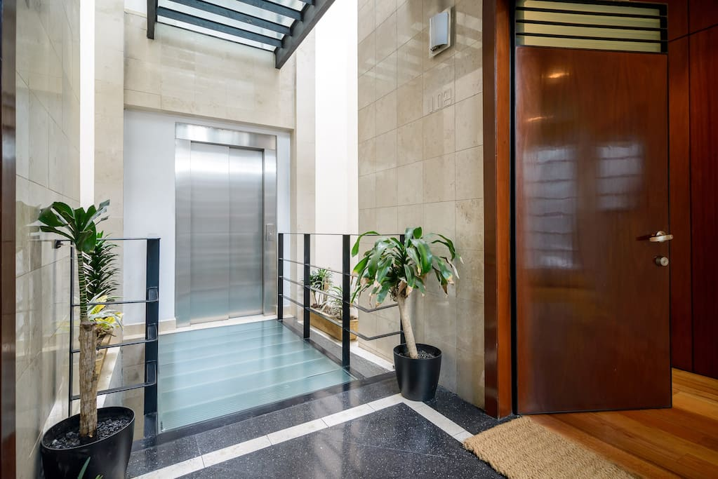 EASY ACCESS BY ELEVATOR.  BUILDING IS PREPARED FOR HANDICAP PEOPLE.