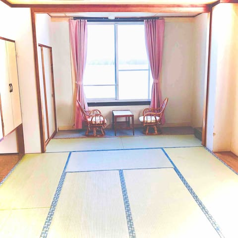 目の前はビーチ!のんびり過ごせるバス&トイレ付きの完全個室 Fukujyu