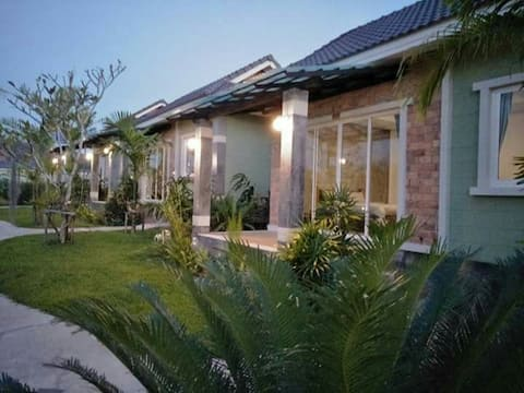 Baan Rom Pruk private house, near Naiyang beach