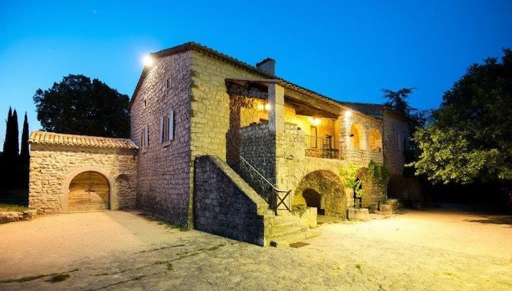 Mas en pierre au coeur de l'Ardèche