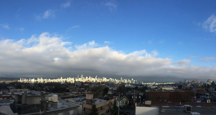 Live like a local in heart of Kits! Great views! - Vancouver - Apartamento