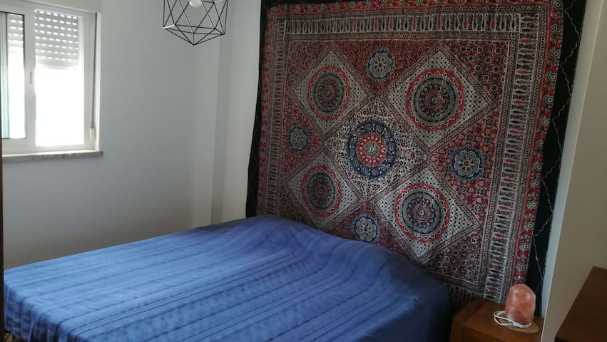 Comfortable room with 2 single beds (can be set up as a king sized bed)
