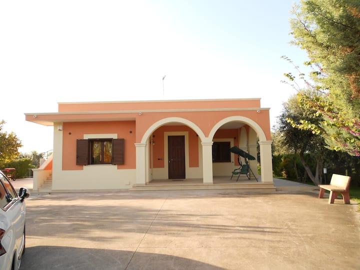 Chambre ds villa à la campagne