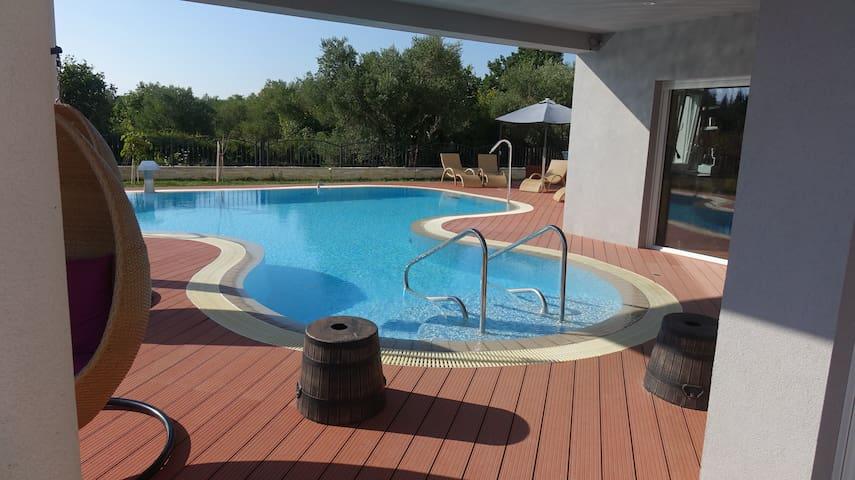 Seaside Villa w Pool and Jacuzzi near Zadar