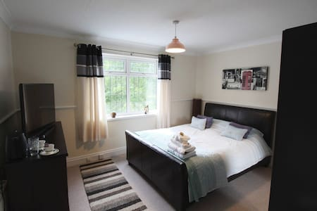 Large Victorian property in the heart of Hull