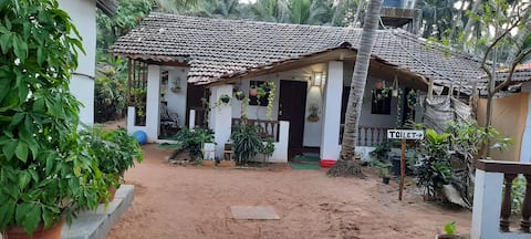 Budget Room in beach hut 3 at Agonda