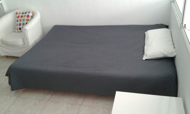 bed for 3 and 4 people