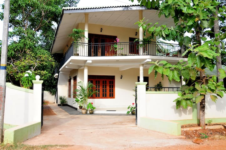2 Bedroom Apartment - Upper Floor - Anuradhapura - Apartment