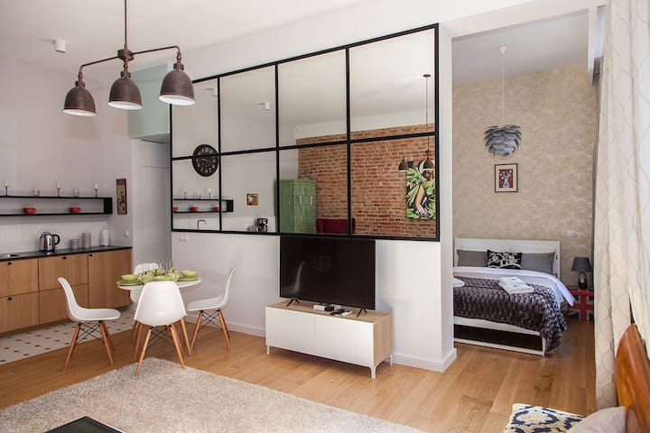BC7 Apartment 4A