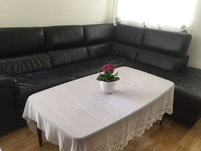 Cozy room, own entrance, near Oslo /airport