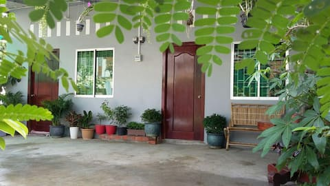 Mother's House Guesthouse + Cooking class (AC)