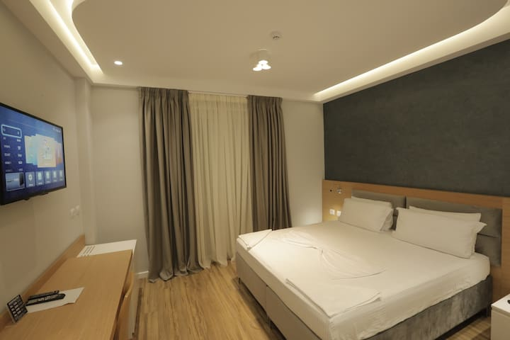 Deluxe Double Room with Balcony breakfast included