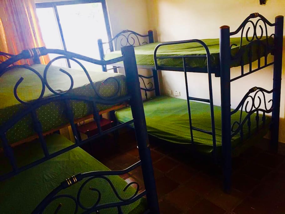 Habitación amoblada - Room fully equipped