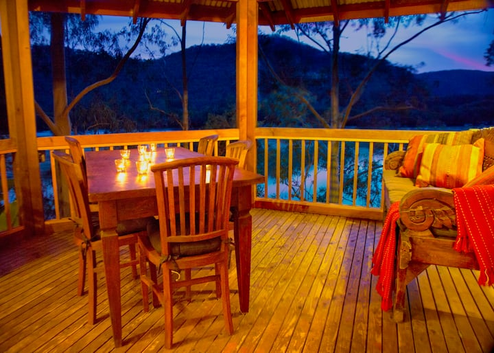 Secluded Treehouse on the Hawkesbury River