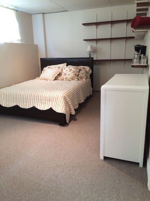 Grande chambre tranquille dans une belle maison case in for Belle case in canada