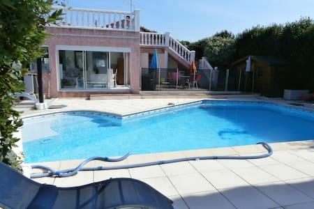 villa piscine au calme sans vis avis - Villeneuve-lès-Maguelone - Villa