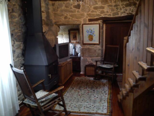 Salón Privado con chimenea para los huéspedes.
