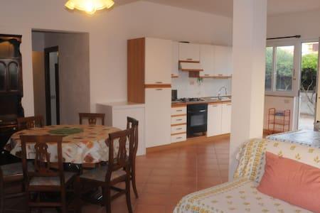 Casa sul mare a due passi da roma - Focene - Huis