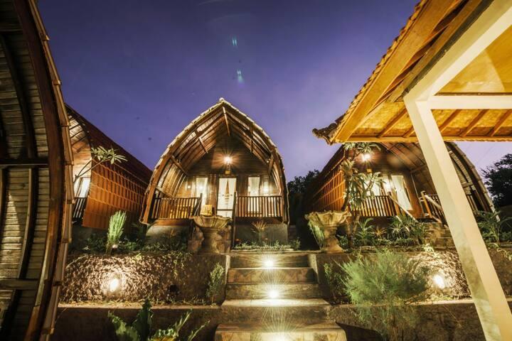 Four Unique Frivate Cottage