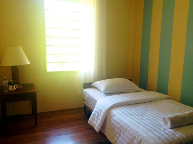 Maikao Boutique Hostel #D (FREE Wi/Fi) - Talang