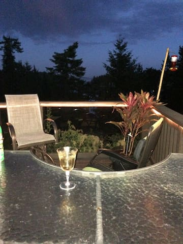Finish your evening on the deck