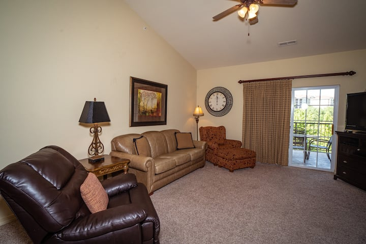 1 BR, 1 Bath Golf Condo with Jetted Tub, Private Balcony