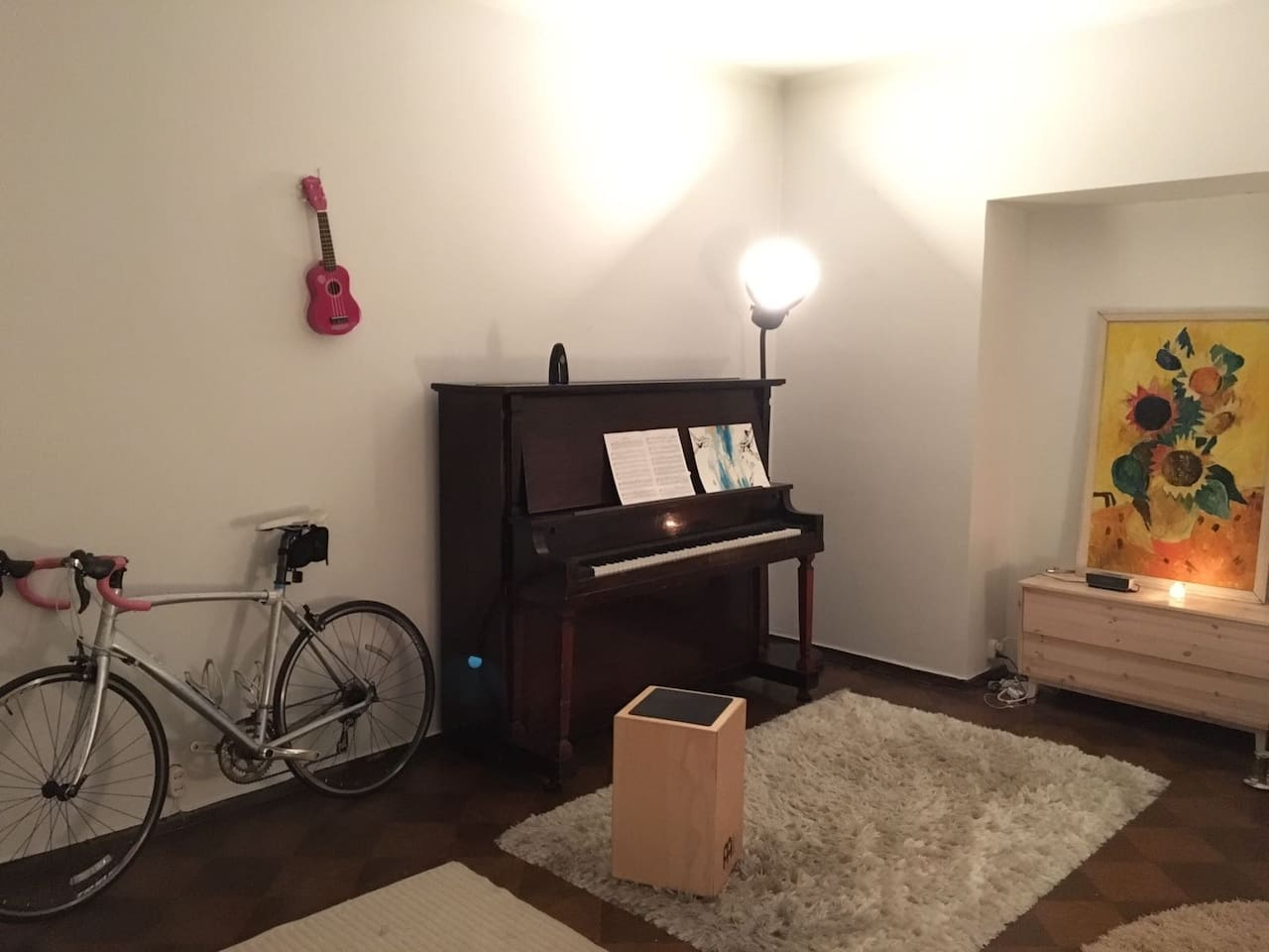 Spacious room with 116-year-old antique piano