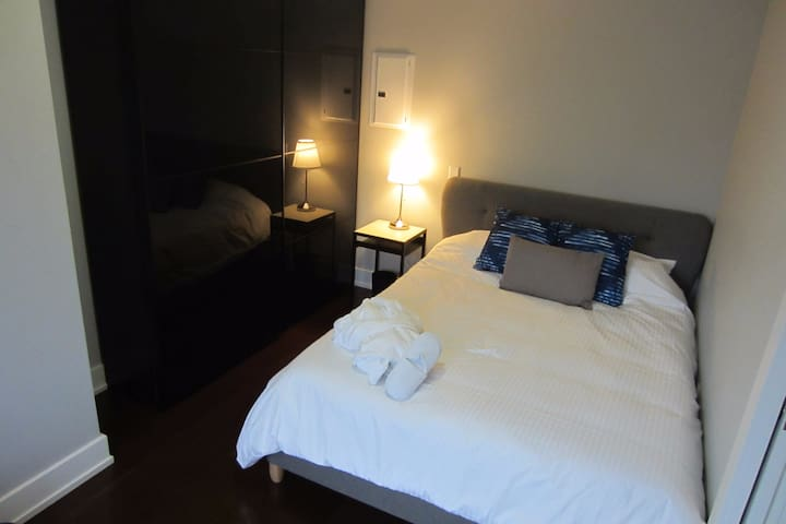 Hotel style apartment close to hospitals & city