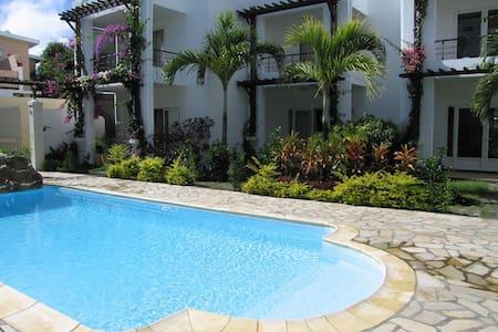 Apartment Set Opposite Indian Ocean - Trou aux Biches - Wohnung